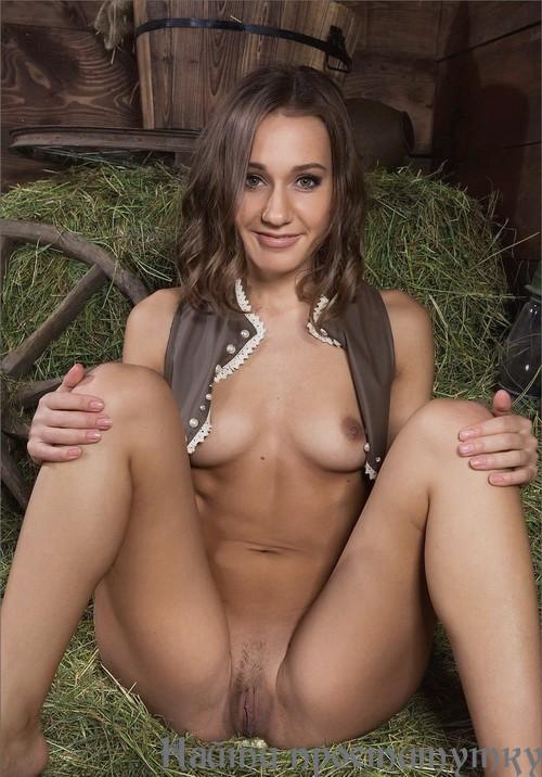 Лола, 24 года - лесбийский секс